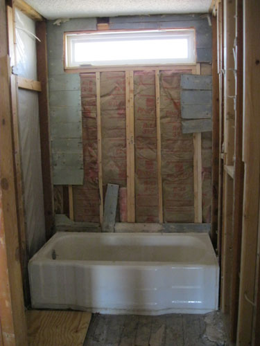 Bathroom Gutting Tips Junk Garbage Removal - Gutting a bathroom
