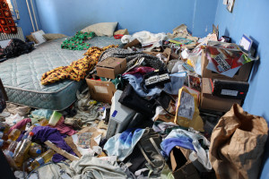 How can a Hoarding Cleanout Service Help?
