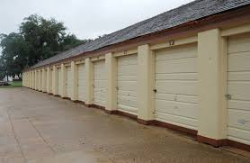storage unit clean out tips
