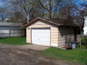 detached garage uses