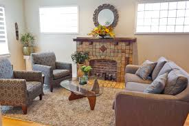 home staging decluttering