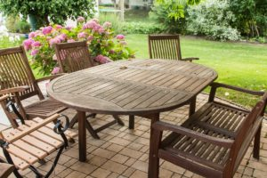 outdoor furniture disposal