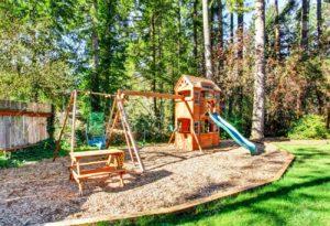 kids' outdoor playset disposal