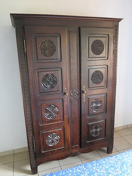 Larkspur Used Armoire Disposal Hacks You can Use