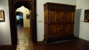Armoire Throw Out Options in Sarasota
